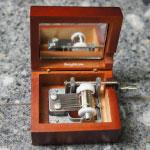 Hand-crank - 200 บาท